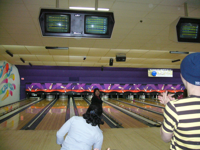 Paty was robbed (check out the one pin standing in her lane).